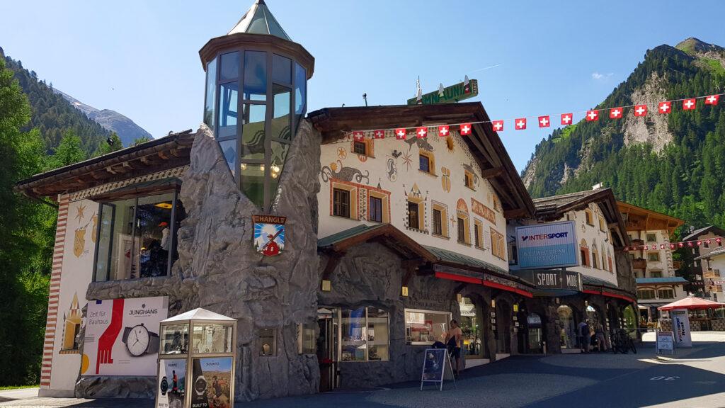 Samnaun Schweiz mit Hund