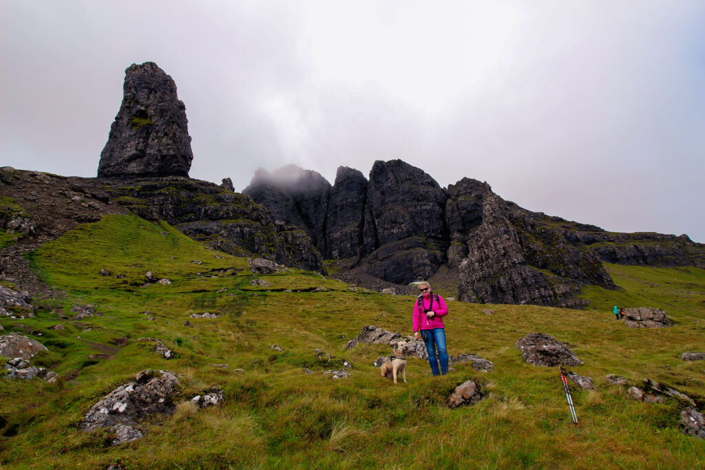 Isle of Skye mit Hund - Old Man of Store